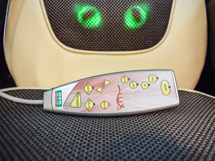 Эргономичный пульт управления вендинг мобильного массажного кресла (накидки) OTO e-Lux EL-868 VEND